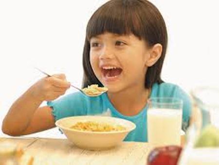 Thuốc kích thích trẻ ăn ngon và tăng cân: Hại nhiều hơn lợi
