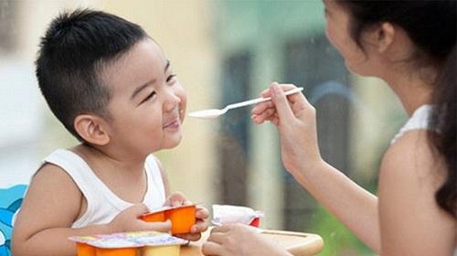Chăm sóc, nuôi dưỡng trẻ suy dinh dưỡng thấp còi