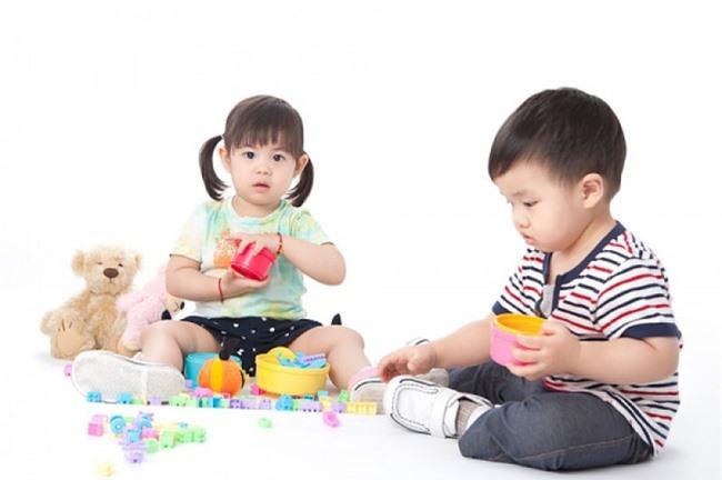 Không cần hò hét con dọn dẹp đồ sau khi chơi, làm theo cách của giáo viên Montessori dưới đây sẽ thấy hiệu quả tức thì