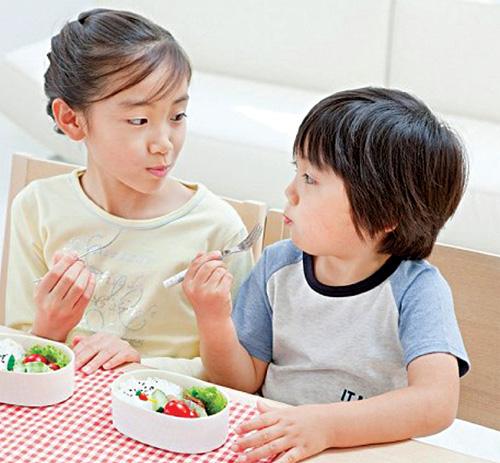 Làm gì để trẻ không bị táo bón?