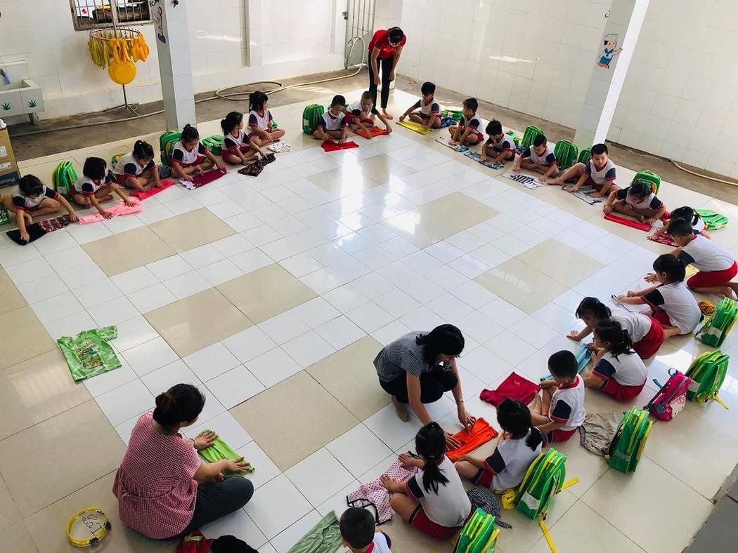 Ở trường Mầm non Tuổi Hồng