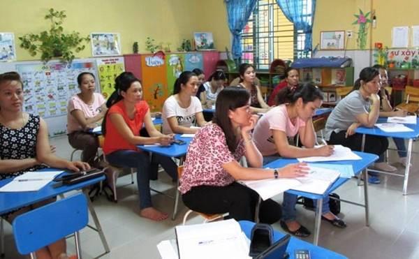 An Giang: Giáo viên mầm non phải bồi dưỡng thường xuyên 120 tiết/năm