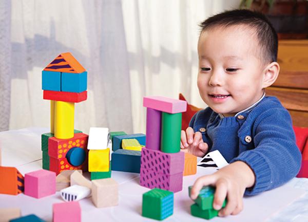 """Đồ chơi trẻ em nhiễm độc chì: Tương lai """"xám"""" từ những sắc màu"""